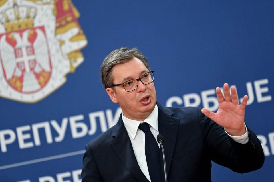"""Vučić o odluci Twitera da označi provladine medije kao saradnike vlasti: """"Nego s kim će da sarađuju,..."""