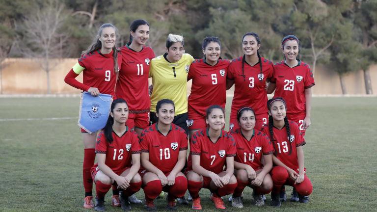 Direktorica ženske fudbalske reprezentacije Afganistana: Uplakane igračice se kriju i pozivaju u pom...