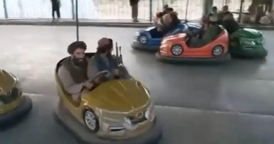 Afganistan / Objavljeni snimci – pogledajte kako talibani slave u zabavnom parku u Kabulu